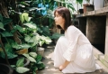 谭松韵初秋植物系列写真 画风清爽现少女感